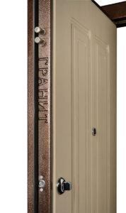 Объемная надпись на оригинальной двери Гранит М5