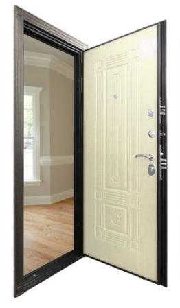 Стальная дверь Гранит Т2 Люкс изнутри со светлой панелью