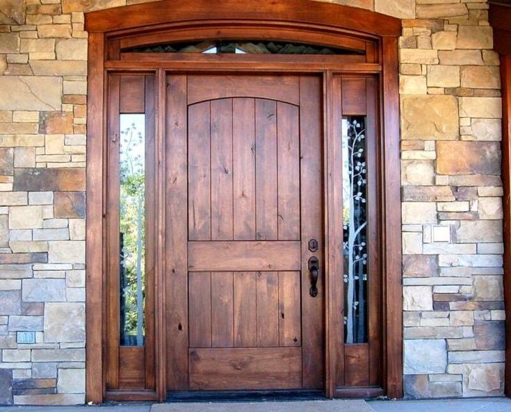 Металлические входные двери и их декорирование